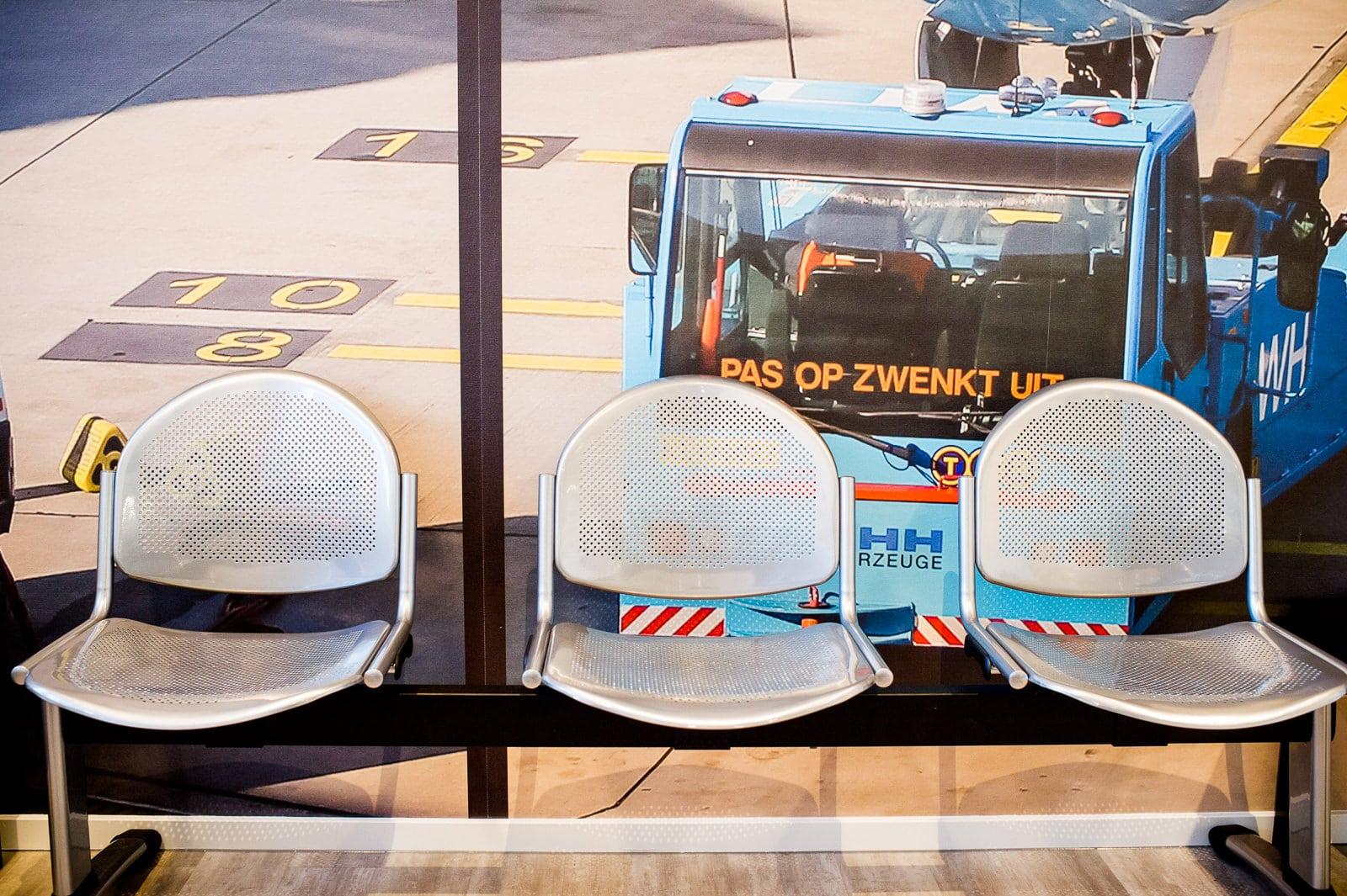 stoelen-wachtruimte-airportho-utrecht